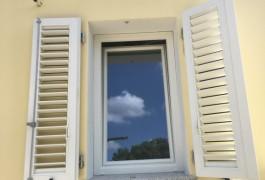 finestre persiane pvc bianco liscio essebi infissi